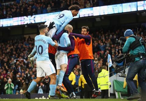 Man City thang 13 tran lien tiep o Premier League mua nay