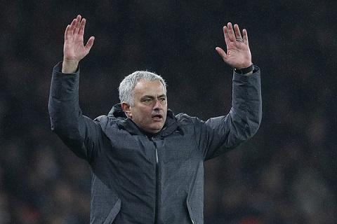 Truoc dai chien, Mourinho boc me thoi xau cua Man City hinh anh
