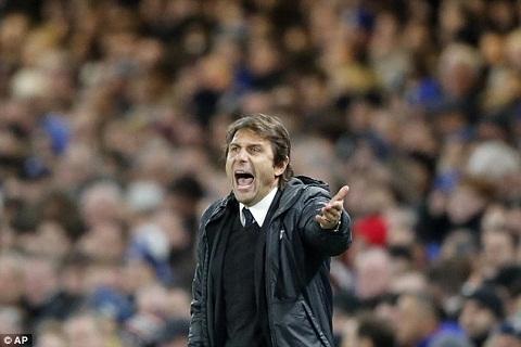 Chelsea sa thai HLV Antonio Conte neu bi loai khoi UCL hinh anh 2