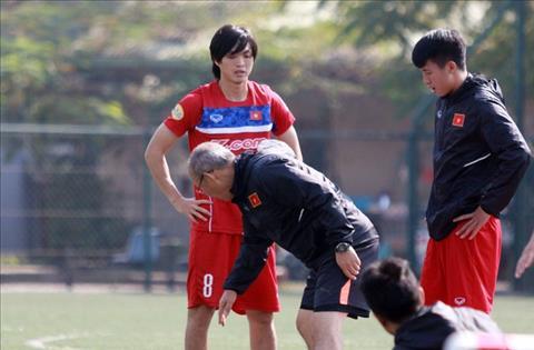 Bau Duc van tiec vi tro cung khong the cung U23 Viet Nam du giai chau A hinh anh