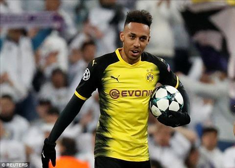 Arsenal mua tien dao Aubameyang thay Sanchez hinh anh 2