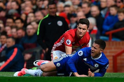 Moyes hoc Mourinho cach bat chet tien ve Eden Hazard hinh anh