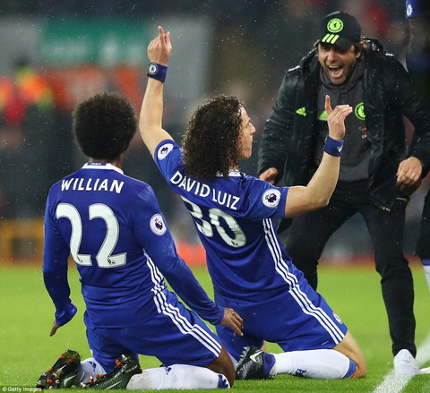 Trung ve David Luiz muon vo dich EPL cung Chelsea hinh anh 2