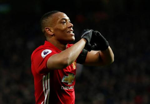Tien dao Anthony Martial khien Man City cay cu hinh anh 2
