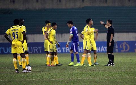 SLNA vs SHB Da Nang (16h30 ngay 262) Loi nguyen… san nha hinh anh