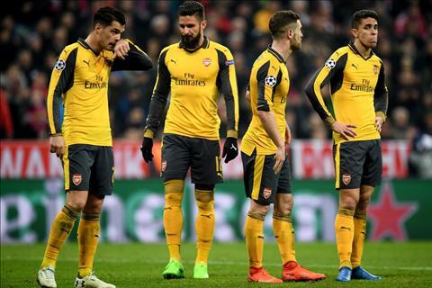 HLV Wenger muon noi chuyen tuong lai voi Arsenal hinh anh