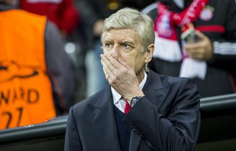 Wenger bat luc nhin doi nha bi Bayern don ep