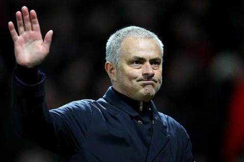 Tien ve Henrikh Mkhitaryan bi Mourinho loai bo hinh anh 2