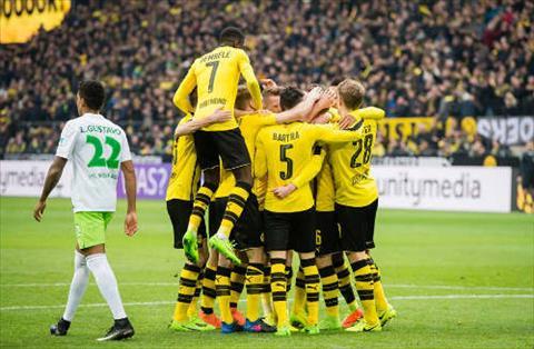 Dortmund co tran dau tung bung khi tiep don Wolfsburg