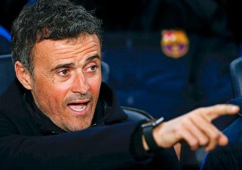 Tien ve Andres Iniesta Barca van tin tuong Enrique hinh anh