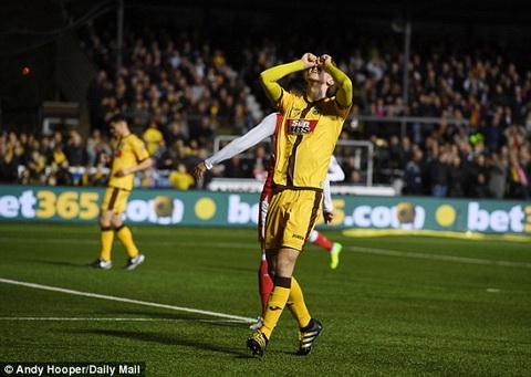 Sutton 0-2 Arsenal Phao thu le buoc qua xac nhuoc tieu de vao tu ket FA Cup hinh anh 2