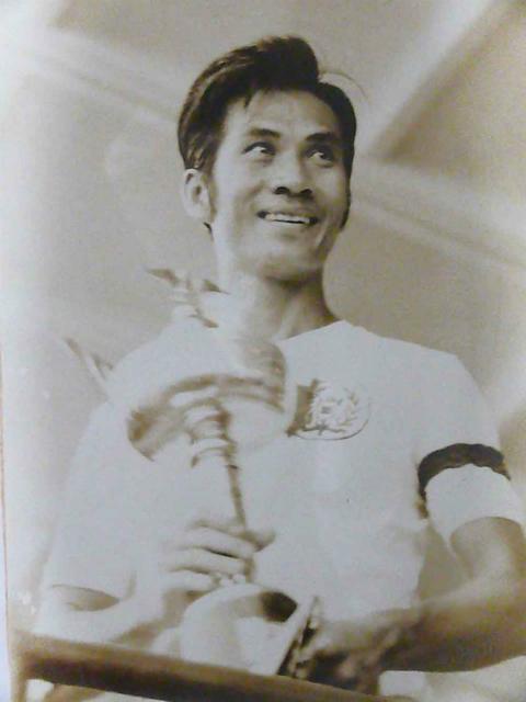 Pham Huynh Tam Lang: Cuoc doi voi nhung chuyen tinh tron ven6