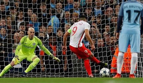 Man City 5-3 Monaco Jardim than phien ve Falcao hinh anh 2