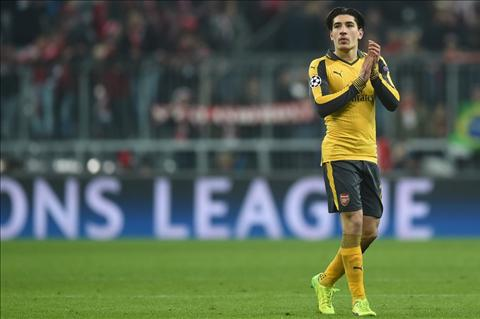 Wenger noi ve tuong lai hau ve Hector Bellerin hinh anh 2