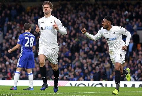 Thay gi sau tran Chelsea 3-1 Swansea hinh anh 2
