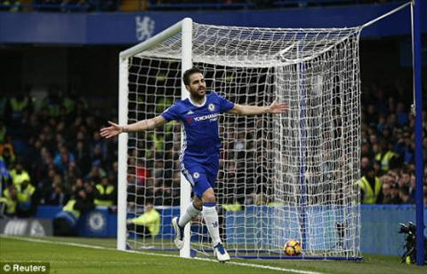 Nhung thong ke an tuong tran Chelsea 3-1 Swansea hinh anh