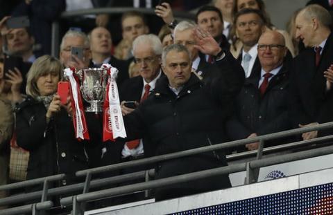 HLV Jose Mourinho Toi khong phai mot con quai vat hinh anh