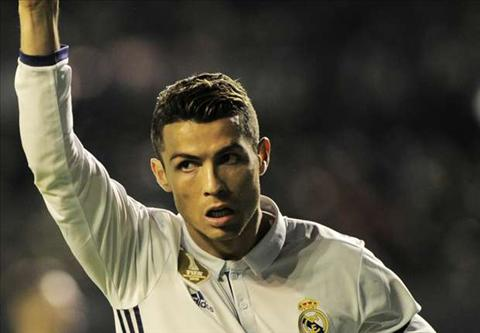 Ghi ban vao luoi Villareal, Cris Ronaldo pha them mot ky luc.