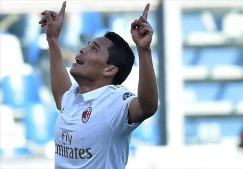 Sassuolo 0-1 AC Milan Khac biet tren cham 11m hinh anh