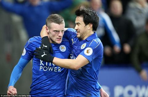 Tien dao Vardy lien tuc bi de doa sau khi HLV Ranieri ra di hinh anh