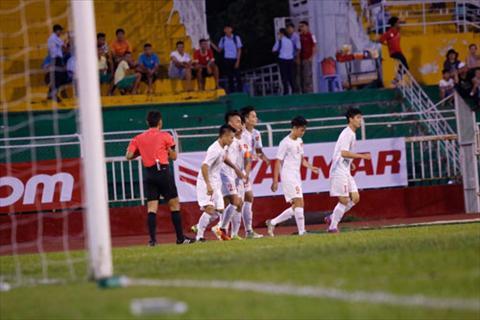 U23 Viet Nam choi tot va co 3 ban thang vao luoi U23 Malaysia