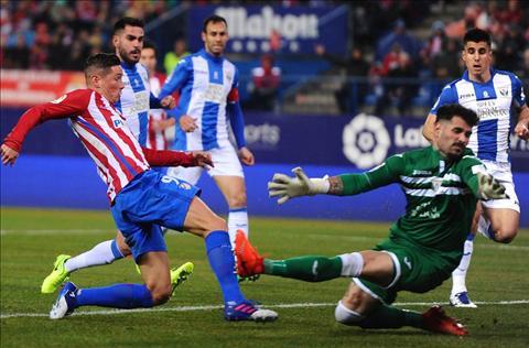 Barca vs Atletico (3h ngay 82) Trong con dien cua Simeone hinh anh 2