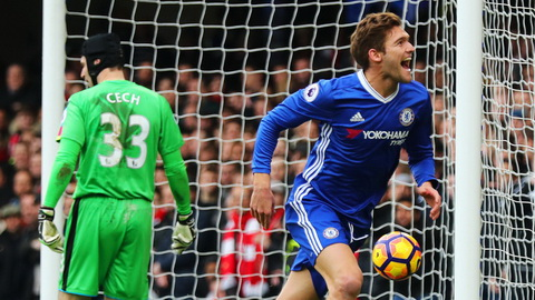 Real ve van hau ve Marcos Alonso hinh anh