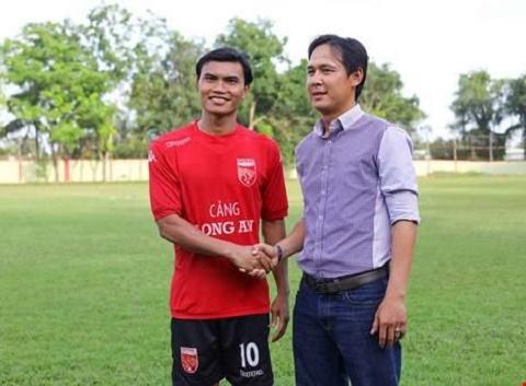 Nong Nha vo dich AFF Cup 2008 tro thanh thuyen truong Sai Gon FC hinh anh