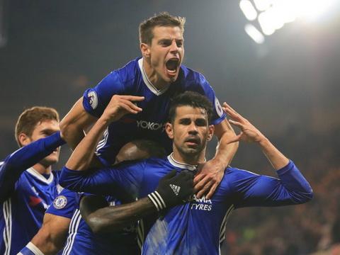 Tay Ban Nha dang chay mau tai nang vao tay Chelsea.