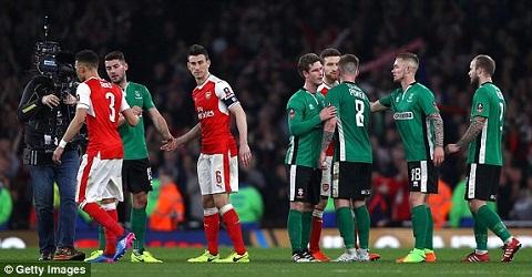 Diem nhan tran Arsenal 5-0 Lincoln hinh anh 2
