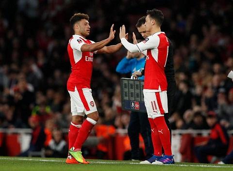 Goc Arsenal Mesut Ozil thuc su quan trong hinh anh