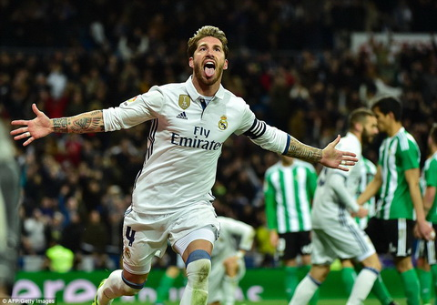 Sergio Ramos lai ghi ban quan trong cho Real Madrid