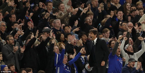 Conte ung ho quyet dinh cua trong tai Michael Oliver.