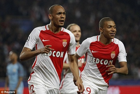 5 cau thu quyet dinh thanh bai tran Monaco vs Juventus hinh anh