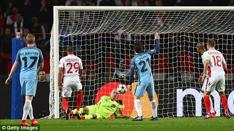 Monaco 3-1 Man City Nhung con tinh sai lam hinh anh 3