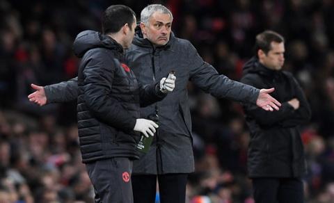 Hang cong MU van khien Mourinho dau dau hinh anh 3