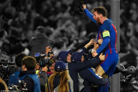 Cu loi nguoc dong vi dai cua Barcelona duoi goc nhin thong ke hinh anh