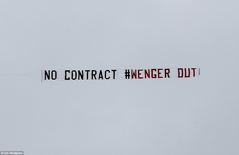 West Brom 3-1 Arsenal Wenger va van hoa ve su ton trong hinh anh