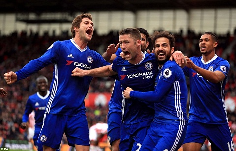 Du am Stoke 1-2 Chelsea Ban linh nha vo dich hinh anh 3