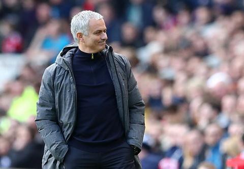 Mourinho gay bat ngo khi da 6 hau ve truoc Middlesbrough