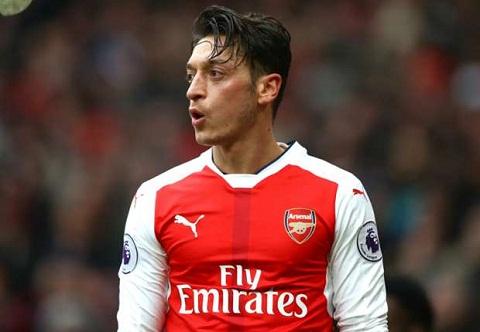 Tien ve Mesut Ozil tu choi gia han hop dong voi Arsenal hinh anh