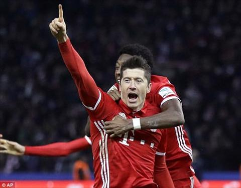 Lewandowski da lap cu dup de dem ve chien thang cho Bayern