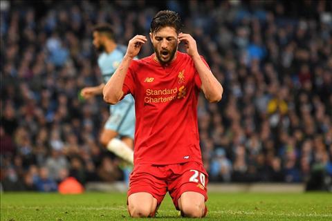 Lallana bo lo co hoi ghi ban cua Liverpool