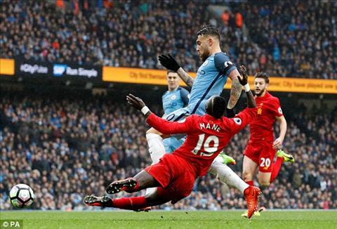 Man City va Liverpool co the doi dau nhau o vong 39 Premier League 201617 hinh anh