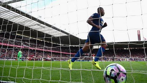 Mourinho va noi am anh Ferguson Bien so hai thanh dong luc hinh anh 2