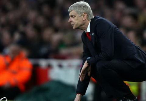 Arsenal se phai hoi han neu sa thai Wenger hinh anh