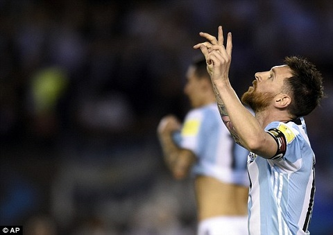 Argentina 1-0 Chile Messi giup Albiceleste nhay vao top 3 hinh anh