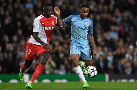 Tien ve Raheem Sterling noi ve Man City va Liverpool hinh anh