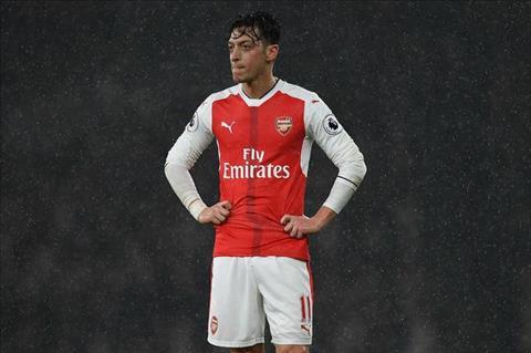 Tien ve Mesut Ozil tiet lo diem yeu lon nhat hinh anh 2