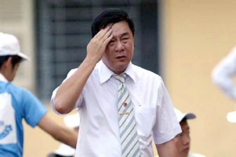 Truong ban trong tai Nguyen Van Mui giu chat ghe du bi chi trich, du luan phan doi